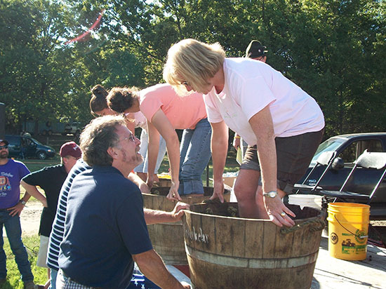 wd-weinfest-grape-stomp-oct-16