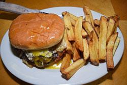 le-hoots-burger-nov-16-opt