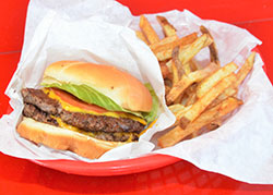 Flying Burger and Seafood soars to new heights | Arkansas Living